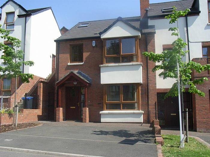 8 Redwood Dale, Belfast